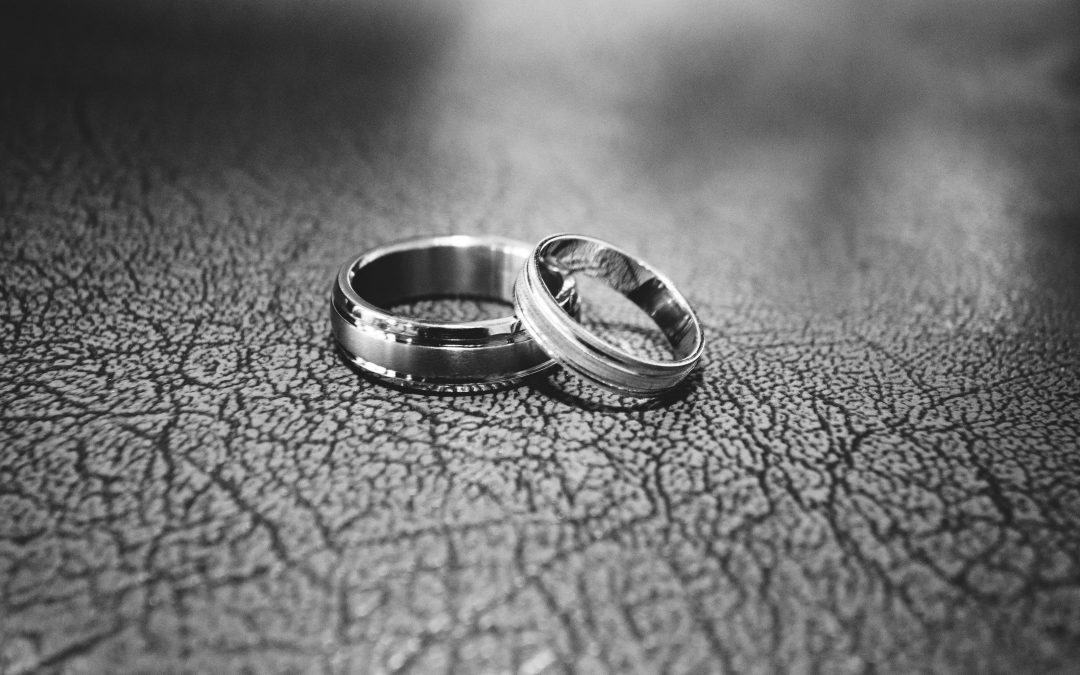 Can You Add Diamonds To A Wedding Band?